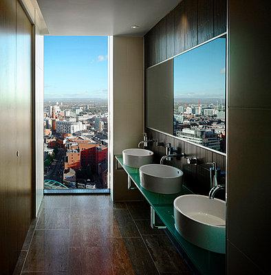 Hilton Tower, 303 Deansgate, Manchester. - p8550714 by Daniel Hopkinson