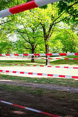 Absperrung - p1149m2181344 von Yvonne Röder