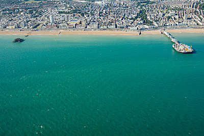 Aerial view of brighton coast - p9249281f by Image Source