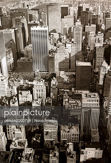 Cityscape, High Angle View, Manhattan, New York City, New York, USA - p694m2200719 by Novo Images