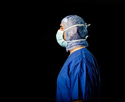 Surgeon - p999m791581 by Monika Kluza