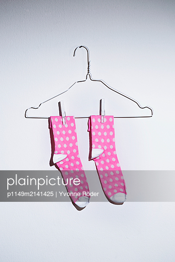 Dotted pair of socks - p1149m2141425 by Yvonne Röder