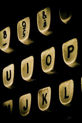 Schräge Dreufsicht einer Tastatur - p4450303 von Marie Docher