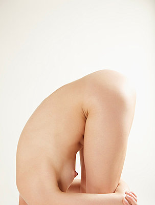 Nude woman - p6691770 by Jutta Klee photography