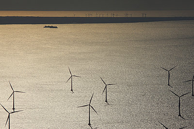 Wind farm Rødsand - p1016m987718 by Jochen Knobloch