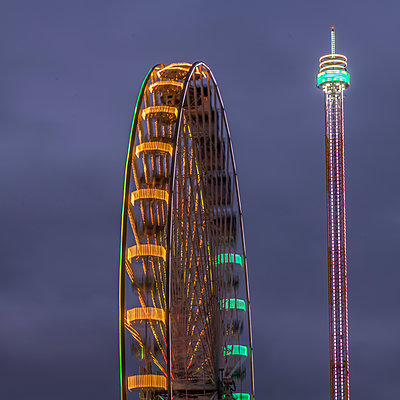 Ferris wheel - p401m2044382 by Frank Baquet