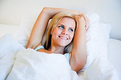 Woman woken up - p4130715 by Tuomas Marttila