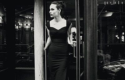Retro/vintage-style fashion port - p988m792899 by Rachel Rebibo