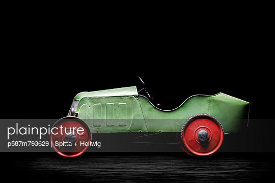 Pedal Car XXIV - p587m793629 by Spitta + Hellwig