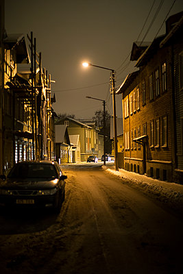 Winter street at night - p312m1180418 by Kari Kohvakka