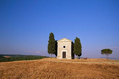Vitaleta Christian chapel near Pienza, Val d'Orcia, Siena Province, Tuscany, Italy, Europe - p8711829 by Sergio Pitamitz