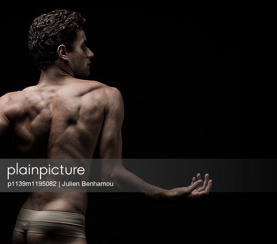 p1139m1195082 by Julien Benhamou