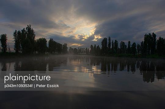 p343m1093534f von Peter Essick photography