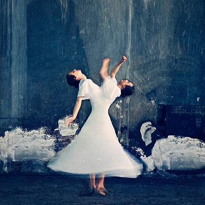 Tanzen - p577m716299 von Mihaela Ninic