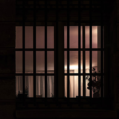 Illuminated window - p1594m2172433 by Françoise Chadelas