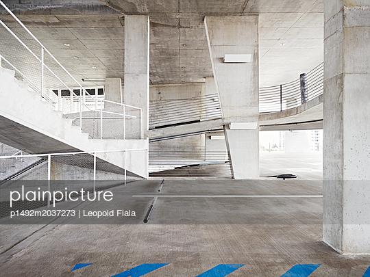 Parkhaus Betonkonstruktion - p1492m2037273 von Leopold Fiala