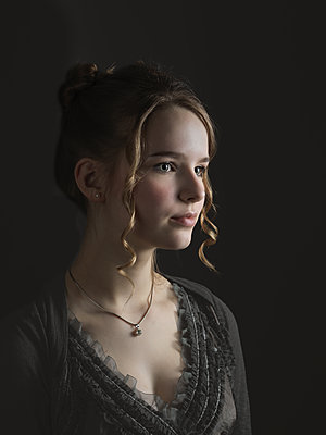 Hübsches junges Mädchen - p1376m2168660 von Melanie Haberkorn