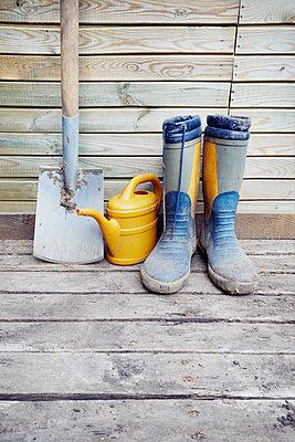 Gartenarbeit - p464m1172252 von Elektrons 08