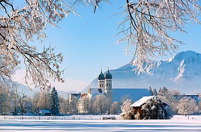 Germany, Upper Bavaria, Toelzer Land, Benediktbeuern Abbey in winter - p300m2104126 by Hans Lippert