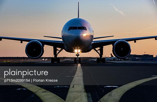 Flughafen - p713m2099154 von Florian Kresse