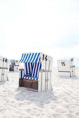 Strandkörbe - p606m949607 von Iris Friedrich