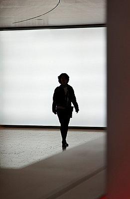 Frau Silhouette - p9791799 von Kosa
