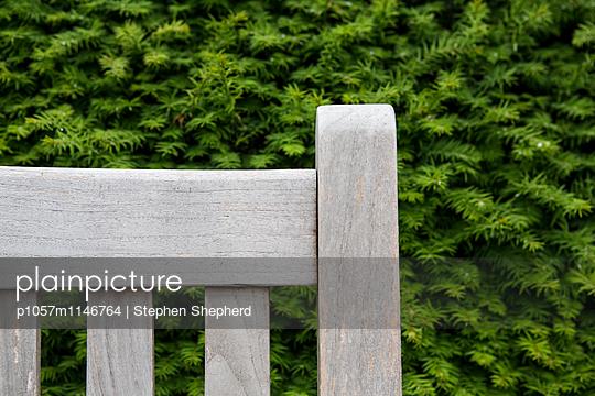Gartenbank - p1057m1146764 von Stephen Shepherd