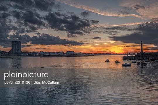 p378m2010136 von Dibs McCallum