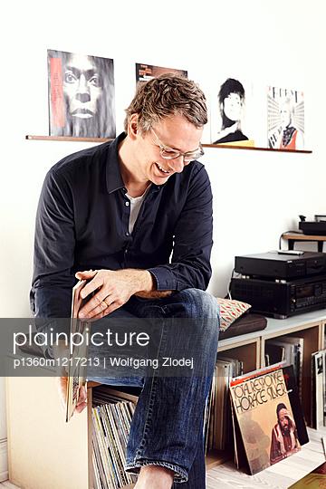 Plattenliebhaber - p1360m1217213 von Wolfgang Zlodej