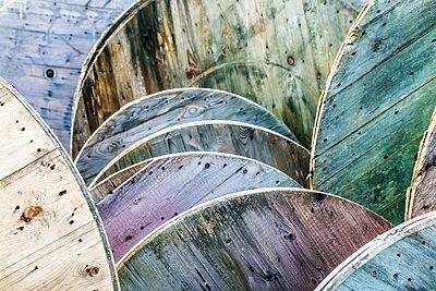 Circular Wood - p1082m1559571 by Daniel Allan