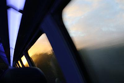 Bahnfahren - p1258m2206204 von Peter Hamel