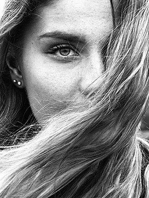 Portrait - p1507m2028551 by Emma Grann