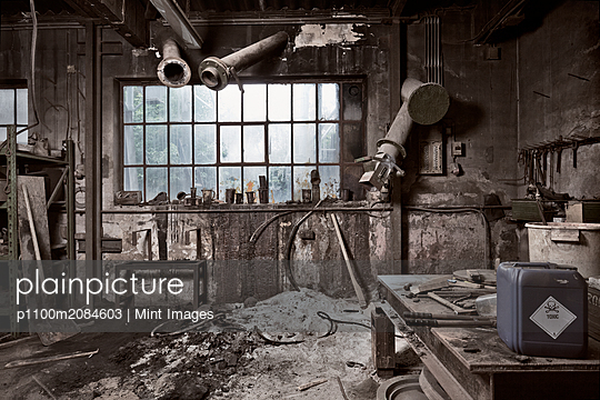 Empty dilapidated casting metalwork workshop,Bonn, Bonn, Germany - p1100m2084603 by Mint Images