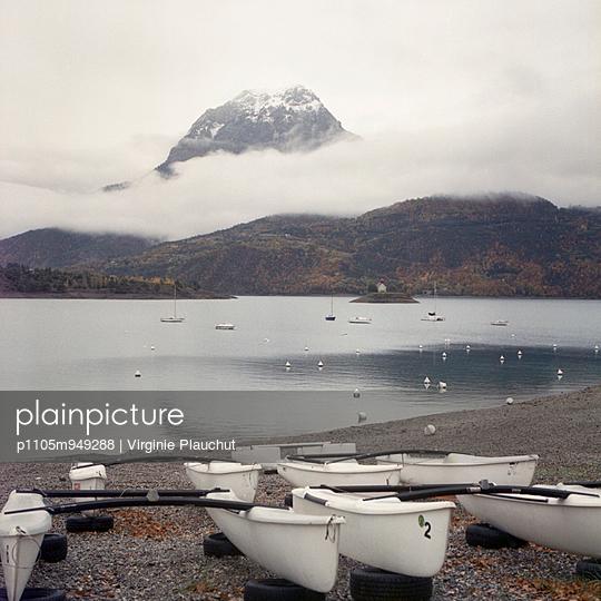 Catamaran - p1105m949288 by Virginie Plauchut