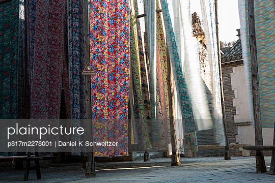 China, Market stall - p817m2278001 by Daniel K Schweitzer