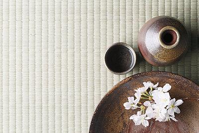 Japanese traditional pottery - p307m1106036f by Hideki Yoshihara