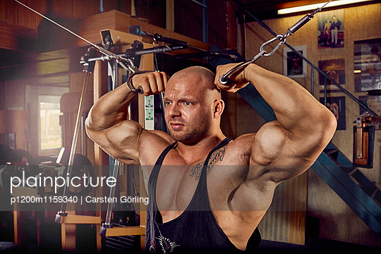 Bodybuilding - p1200m1159340 von Carsten Görling