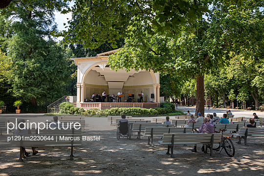 Germany, Hesse, Bad Homburg, Outdoor Concert Hall - p1291m2230644 by Marcus Bastel