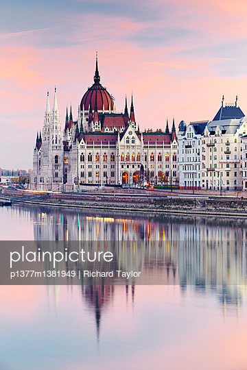 The Danube river and the Parliament building - p1377m1381949 by Richard Taylor