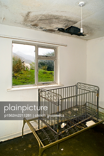 Ruine - p1562m2211281 von chinch gryniewicz