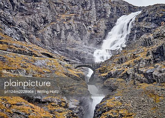 Norway, Geiranger Fjord, Trollstigen - p1124m2228964 by Willing-Holtz