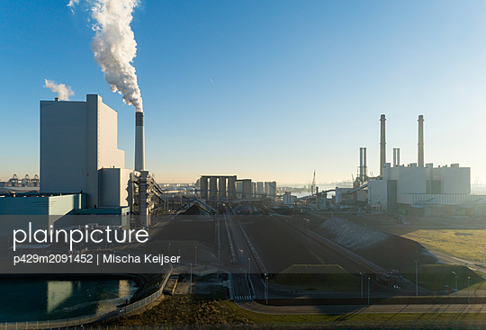 Coal fired power stations, Maasvlakte, Rotterdam, Zuid-Holland, Netherlands - p429m2091452 by Mischa Keijser
