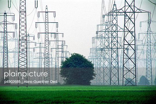 Hochspannungsmasten - p4902685 von Hans-Günther Oed