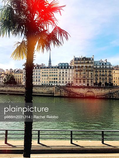 Paris - p988m2031314 von Rachel Rebibo