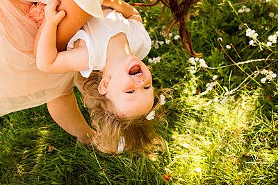 Sommer im Park - p796m1207440 von Andrea Gottowik