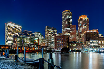 Boston Seaport by night - p401m2196336 by Frank Baquet
