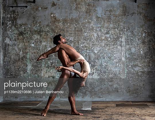 Ballerina and Ballet dancer - p1139m2210696 by Julien Benhamou