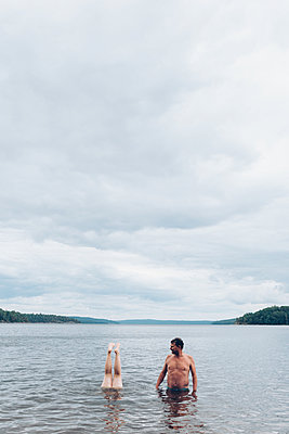 Man and legs - p1507m2110337 by Emma Grann
