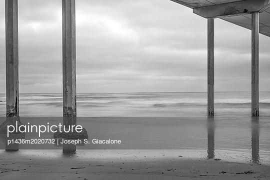 Ocean Beach Pier, California coast - p1436m2020732 von Joseph S. Giacalone