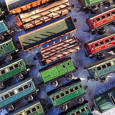 Germany, Baden-Wuerttemberg, Stuttgart, flea market - p300m1009645 by Werner Dieterich